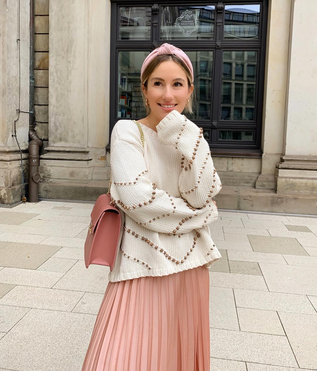 pleated skirt de Zara sur dani_nanaa