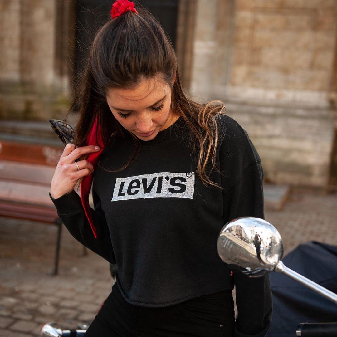 sweat noir levis de Les Bourgeoises sur emymily_