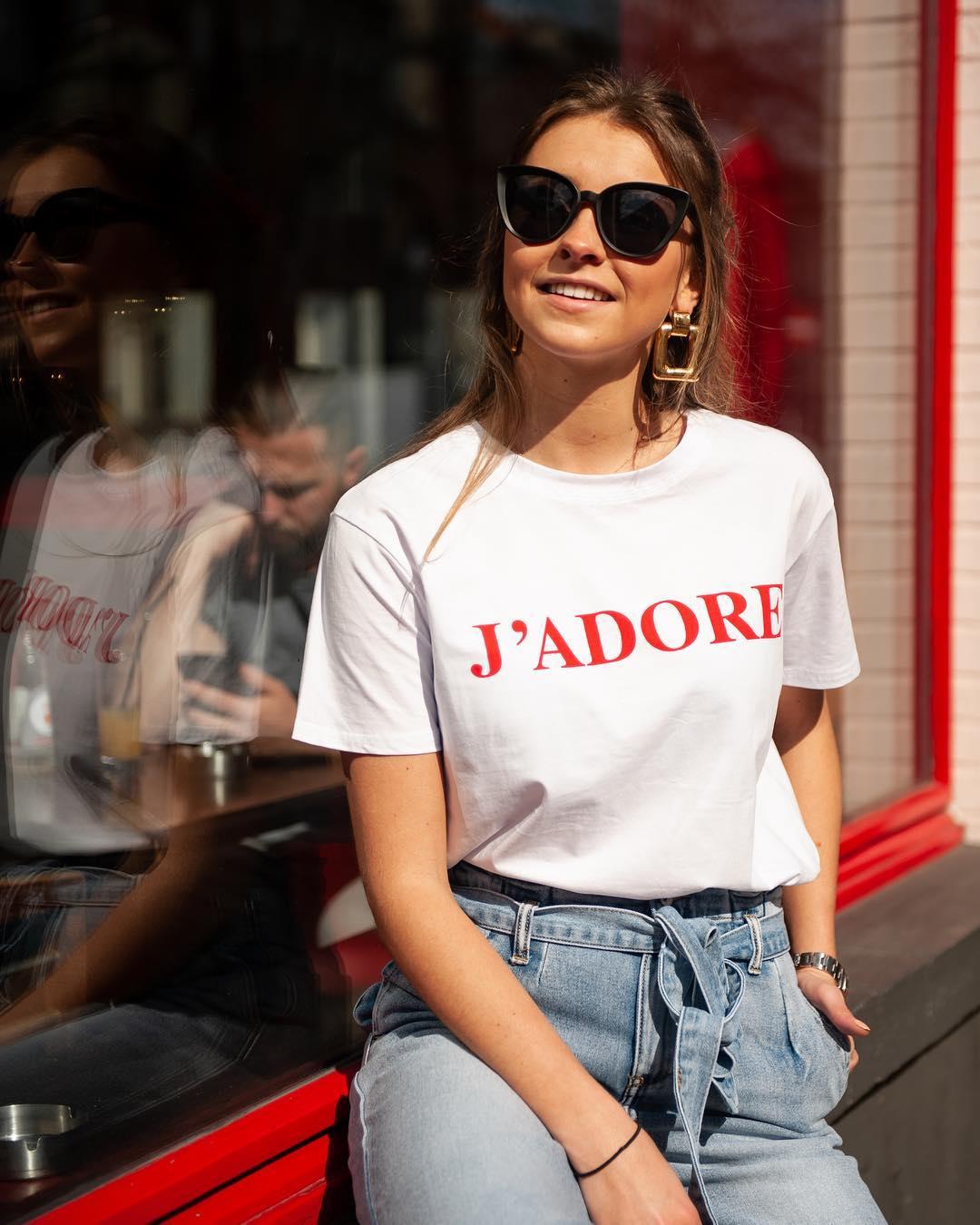 t-shirt j