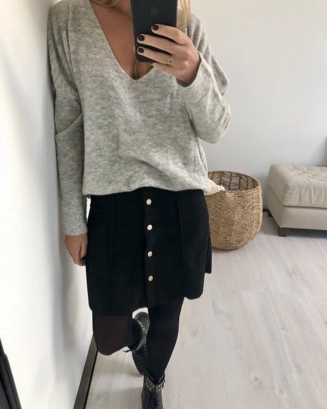 jupe noire suédine de Les Bourgeoises sur scanlesbourgeoises