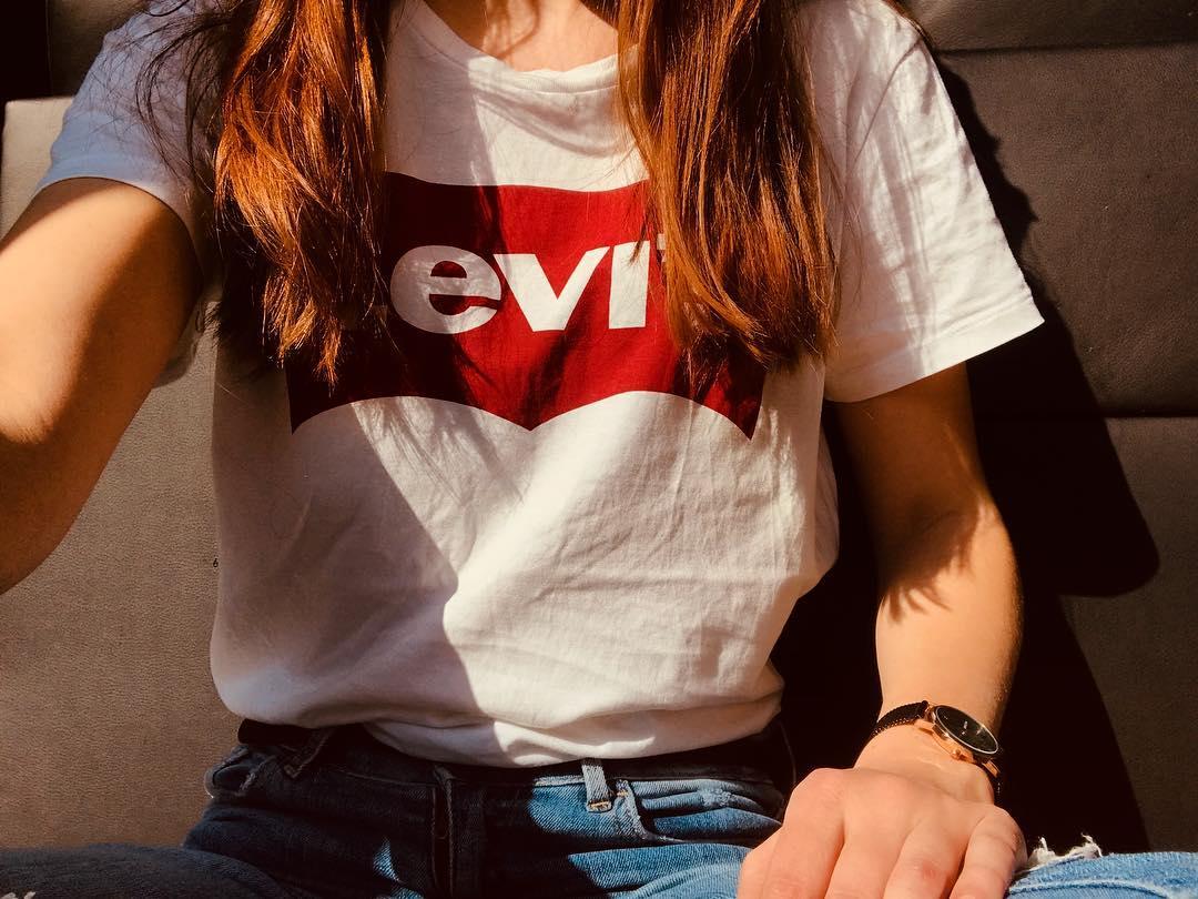 t-shirt levis blanc de Les Bourgeoises sur cloe_thing