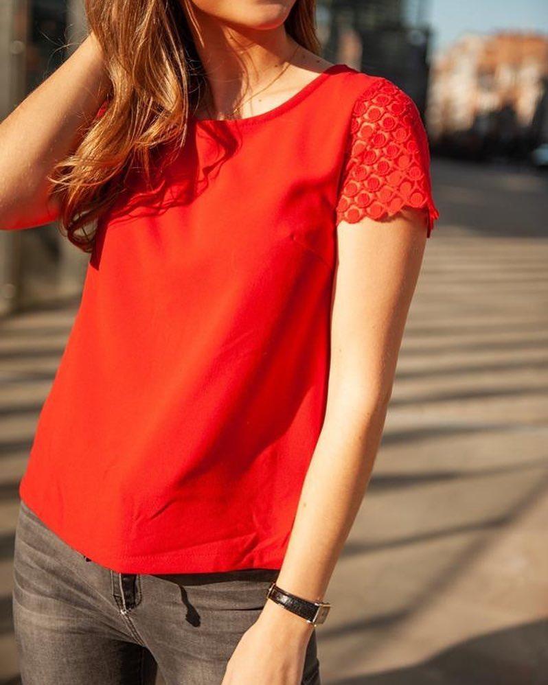 blouse rouge dentelle de Les Bourgeoises sur scanlesbourgeoises