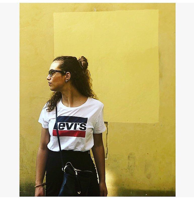 white girls levis t-shirt de Les Bourgeoises sur noortjemaftouhi