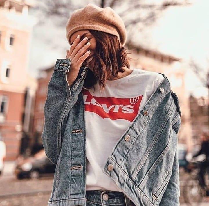 t-shirt levis blanc de Les Bourgeoises sur vistart_