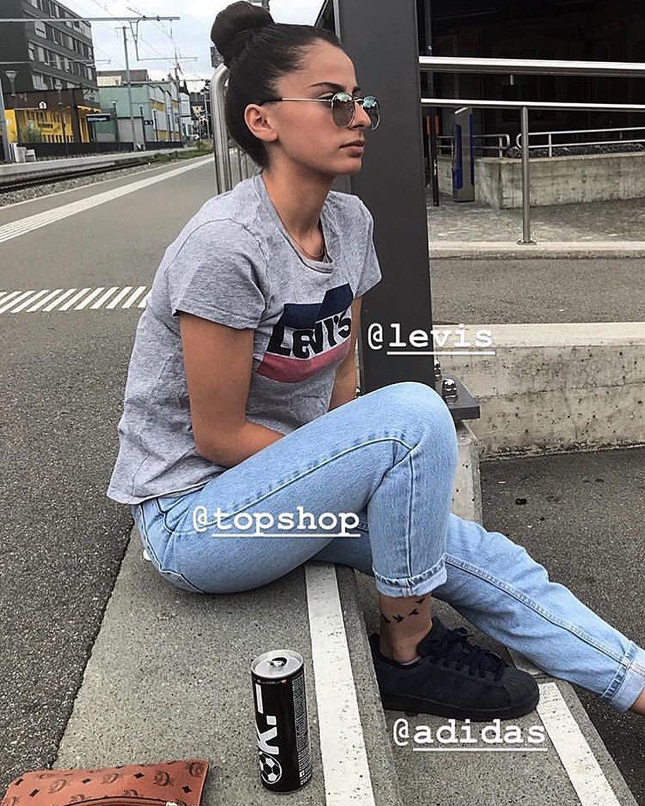 white girls levis t-shirt de Les Bourgeoises sur jahaluana