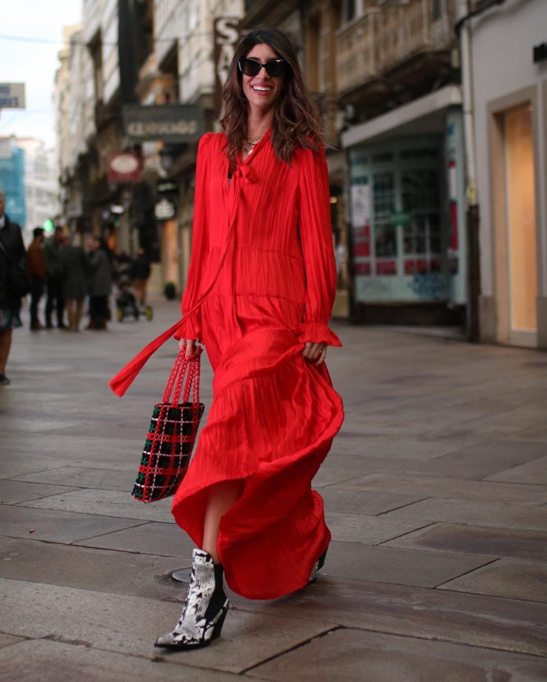 dress with ruffles de Zara sur maarttaan
