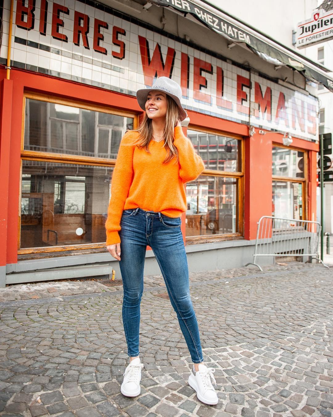 pull orange de Les Bourgeoises sur lesbourgeoisesofficiel