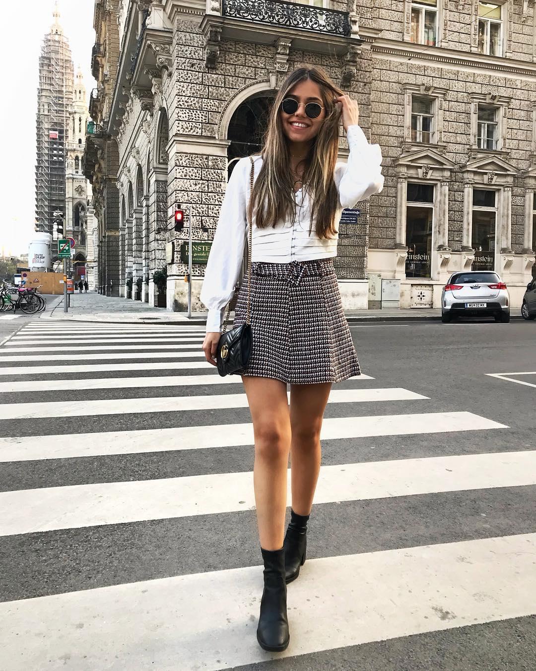 tweed mini skirt with belt de Zara sur yasminrobert