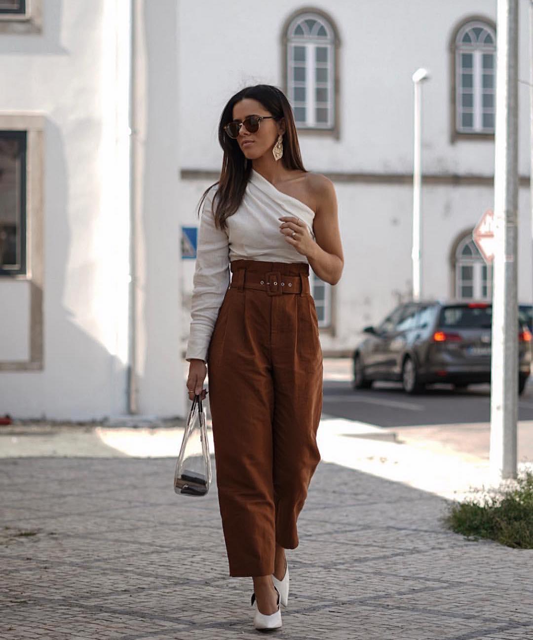 pantalon à pinces et ceinture de Zara sur zara.outfits