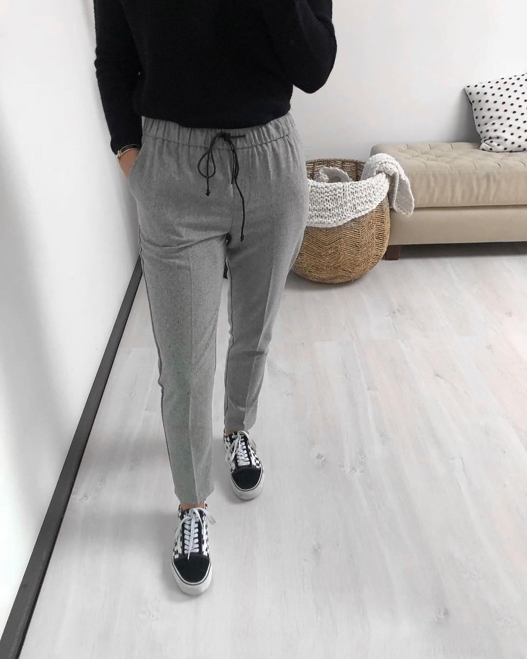 pantalon gris clair de Les Bourgeoises sur scanlesbourgeoises