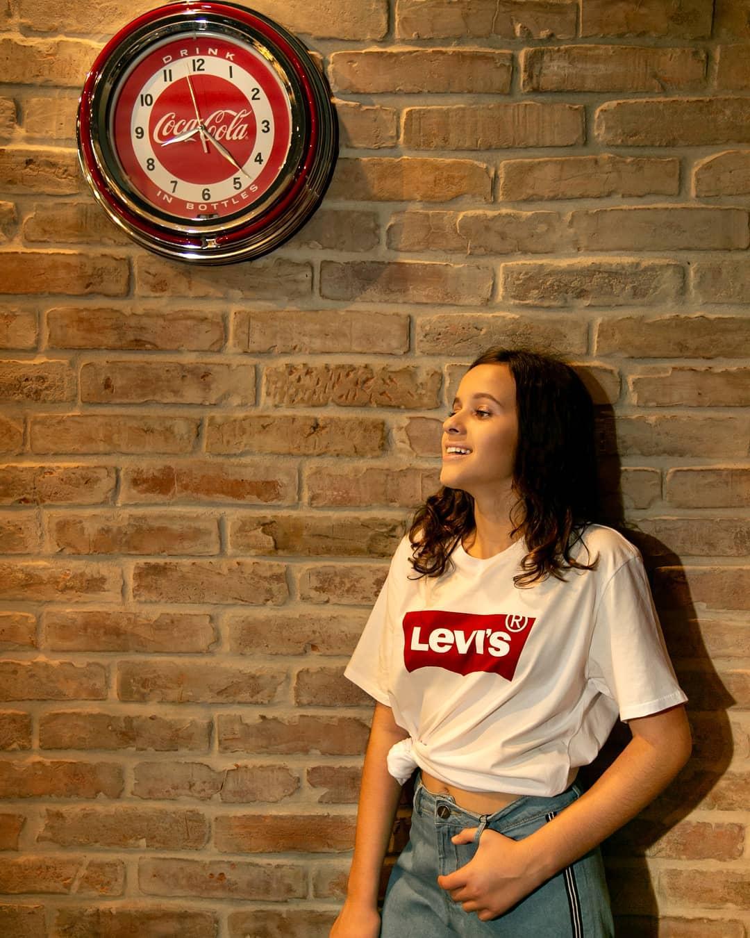 t-shirt levis blanc de Les Bourgeoises sur lojamaryjohn
