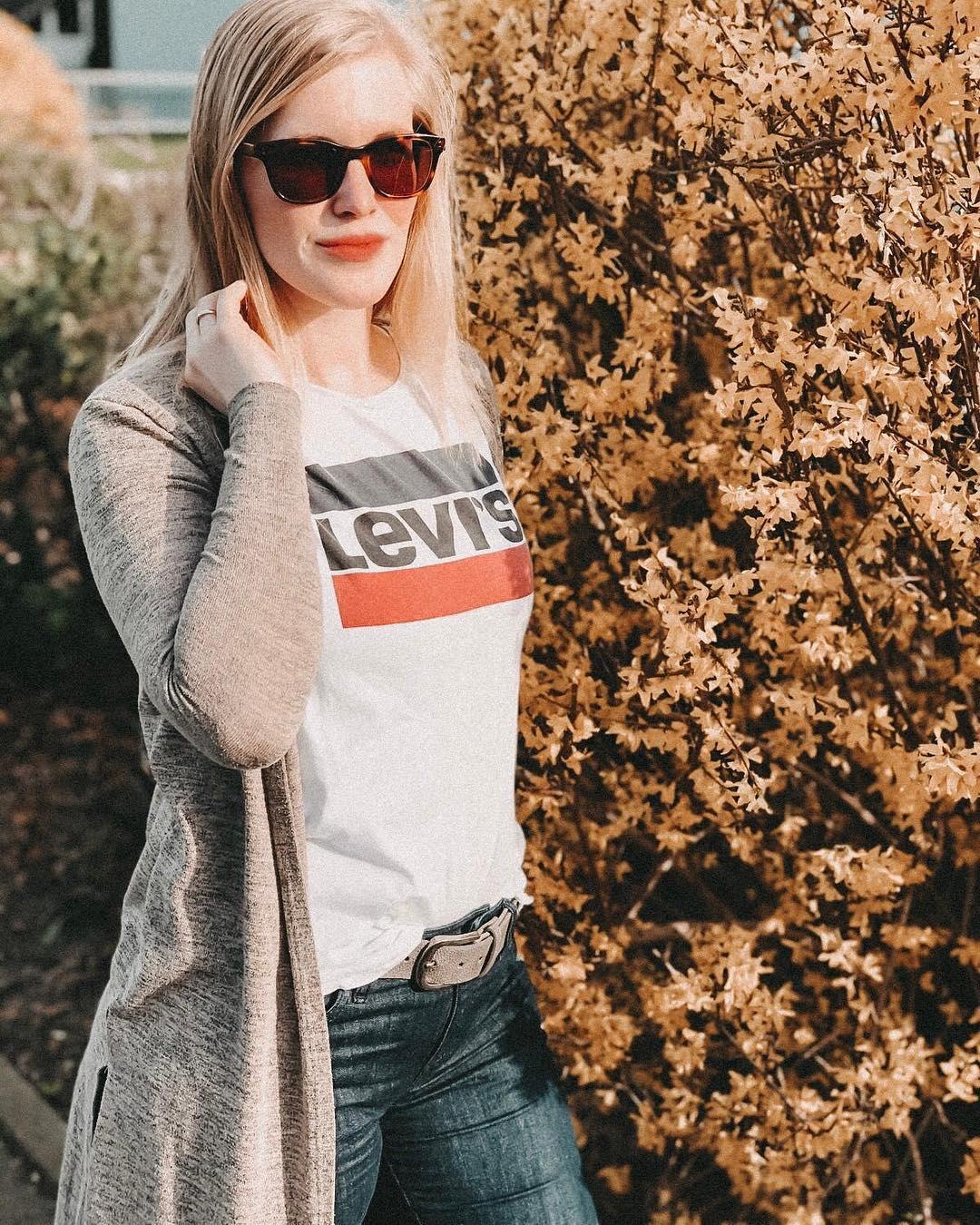 white girls levis t-shirt de Les Bourgeoises sur becky_doubleu