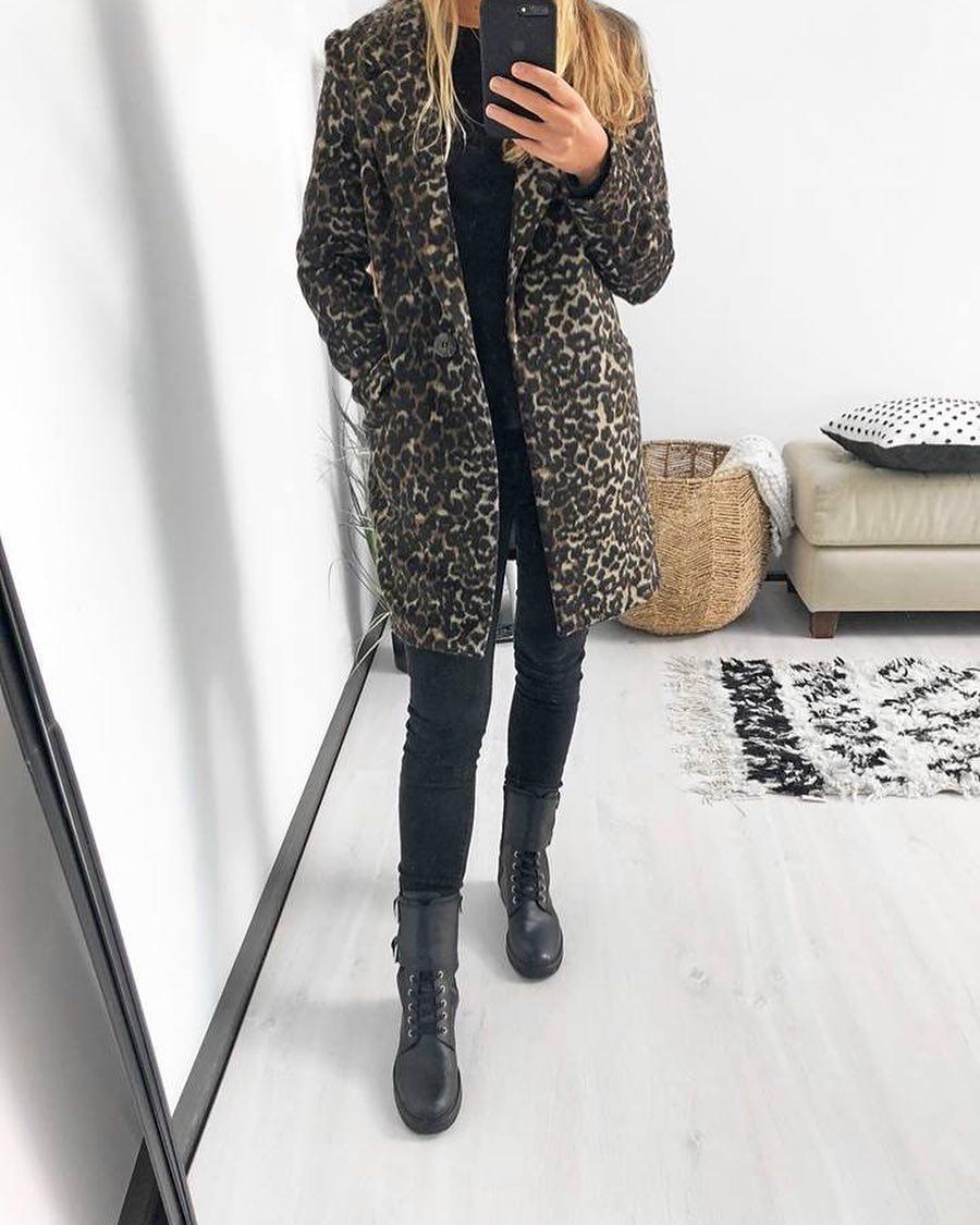 pantalon noir taille haute de Les Bourgeoises sur scanlesbourgeoises