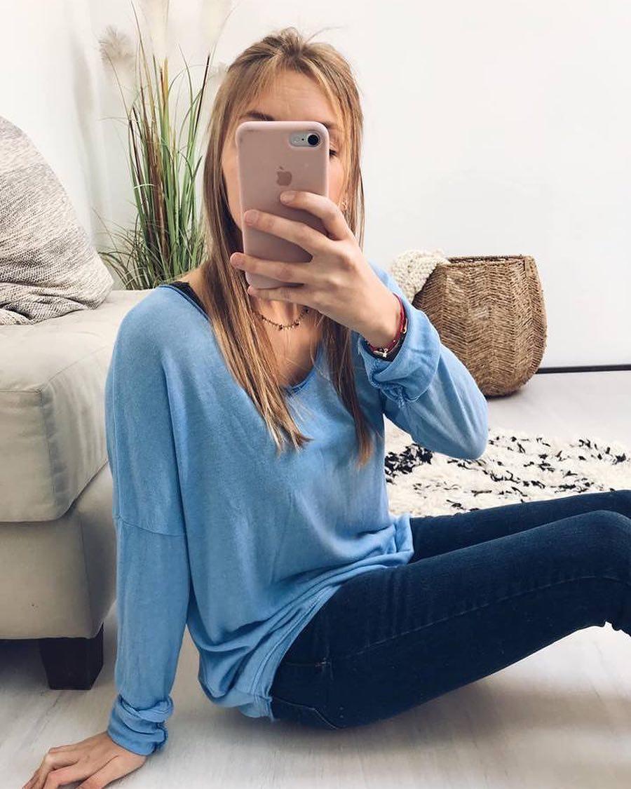 t-shirt bleu longues manches de Les Bourgeoises sur scanlesbourgeoises