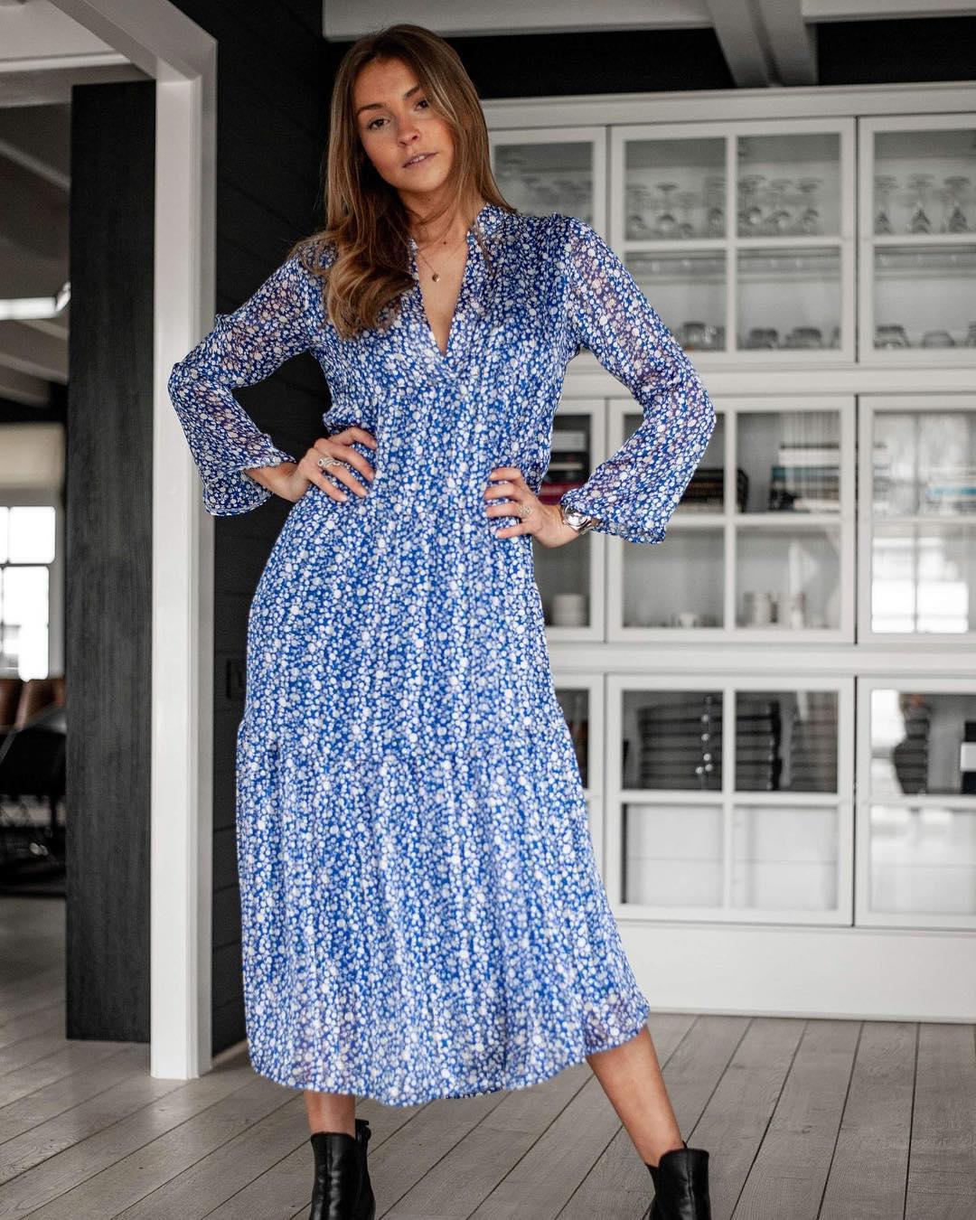 longue robe bleue jenny de Les Bourgeoises sur scanlesbourgeoises