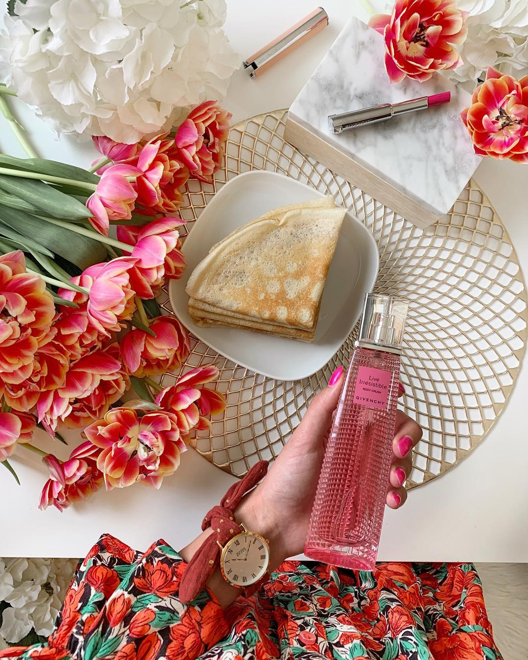 robe rouge a fleurs de Les Bourgeoises sur _yas_dak
