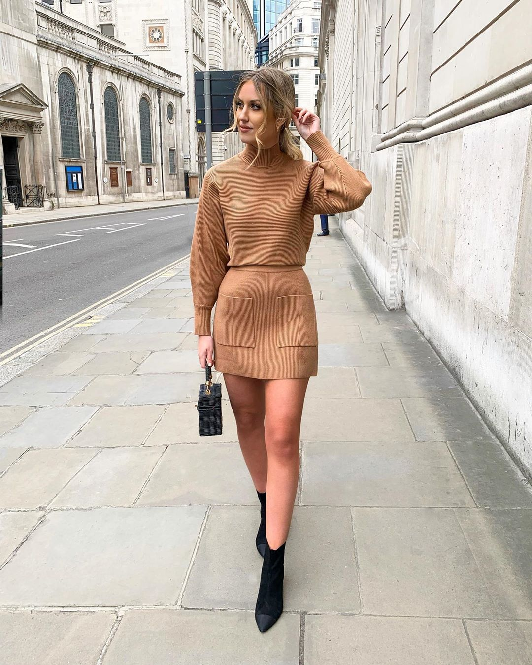 mini skirt with pockets de Zara sur katherine_bondd