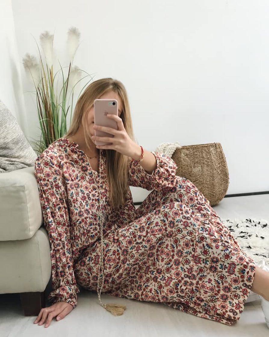 robe ecrue a fleurs de Les Bourgeoises sur scanlesbourgeoises