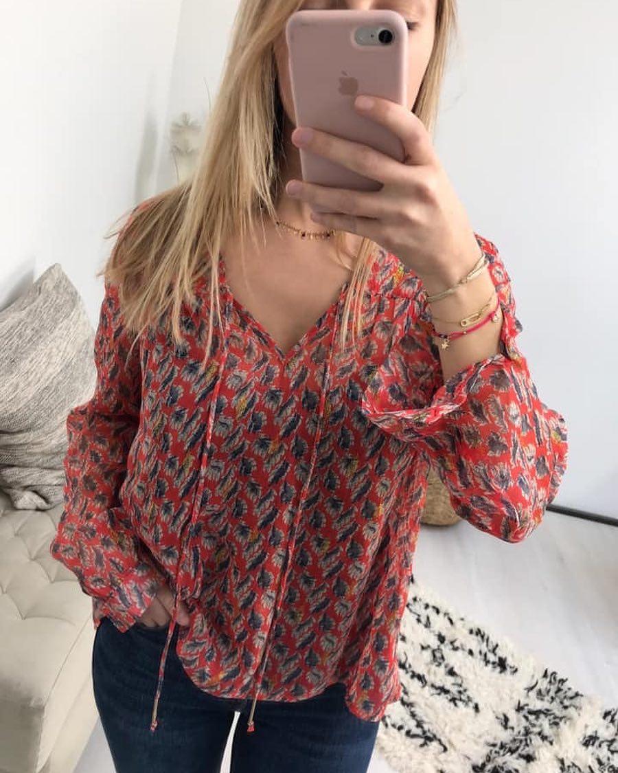blouse rouge feuillage de Les Bourgeoises sur scanlesbourgeoises