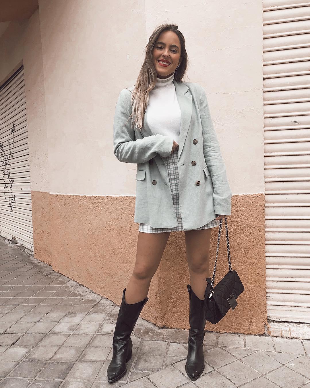 leather boots with cowboy heels de Zara sur anasaez___ sur SCANDALOOK