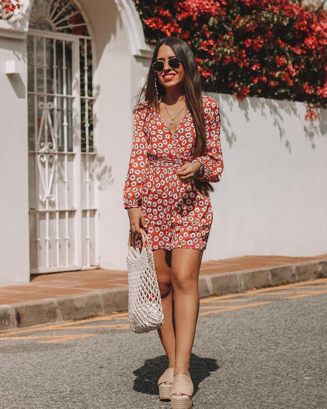 combinaison-robe imprimée de Zara sur lorenagodoy