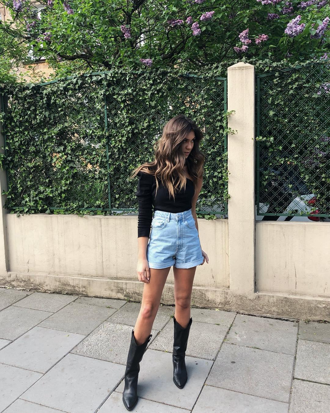 leather boots with cowboy heels de Zara sur spodenkimoje