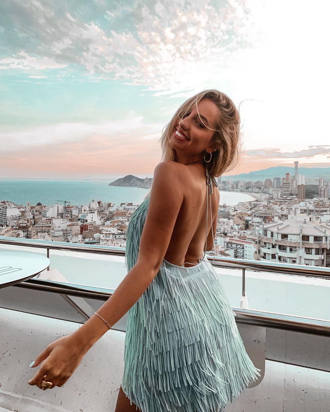 robe courte à franges de Zara sur lunaserrat