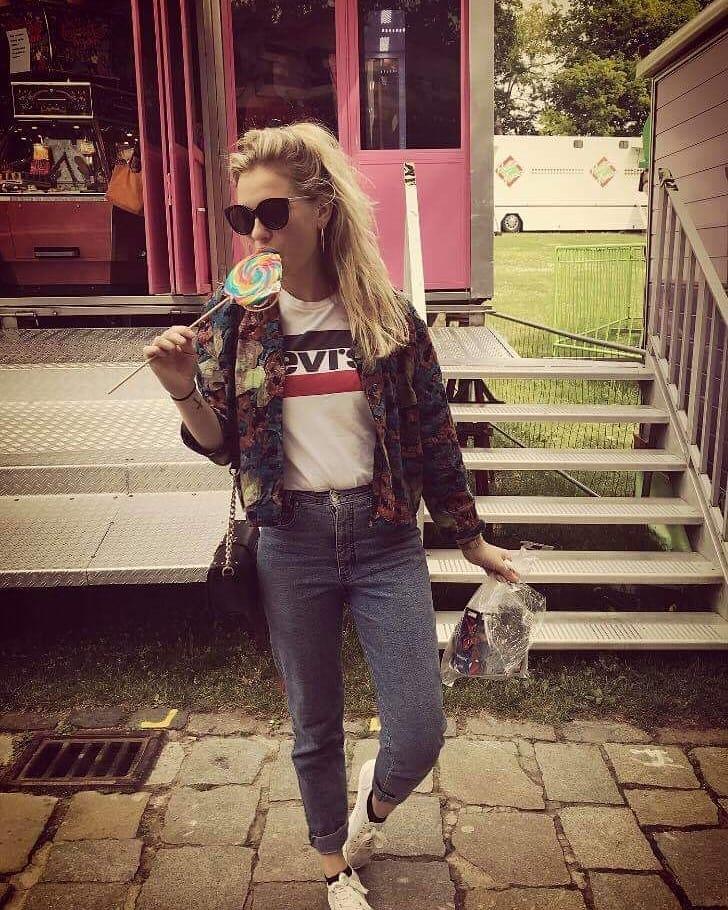 white girls levis t-shirt de Les Bourgeoises sur gryptjev_