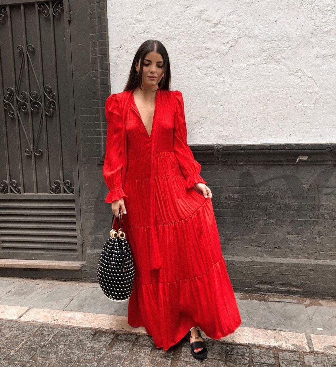 dress with ruffles de Zara sur zaraaddiction