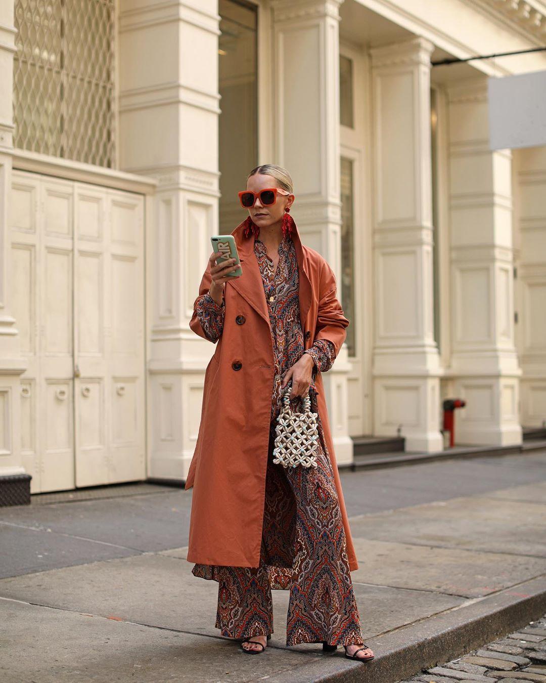 belted trench coat de Zara sur blaireadiebee