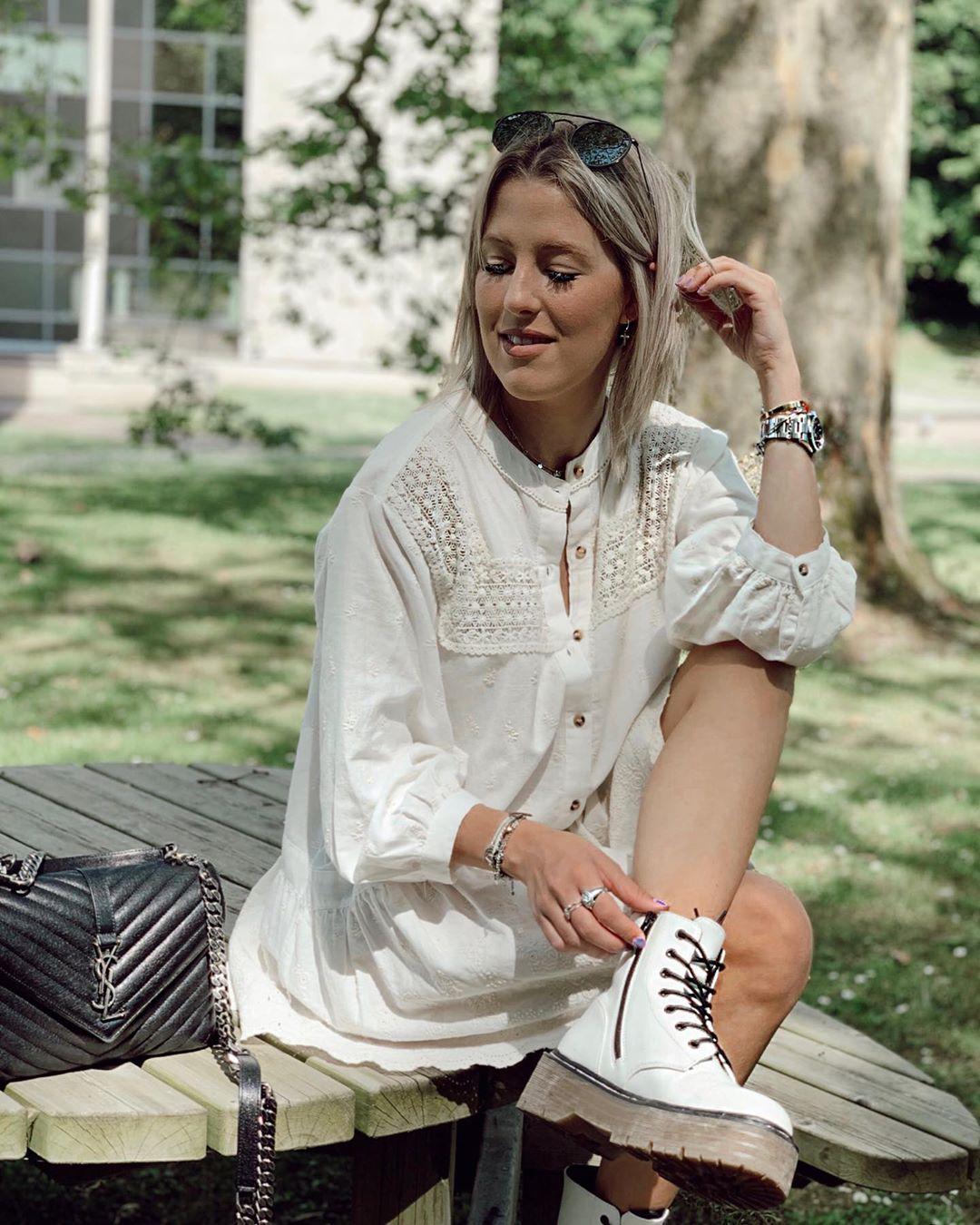 robe en dentelle à broderies de Zara sur britishstylishblog