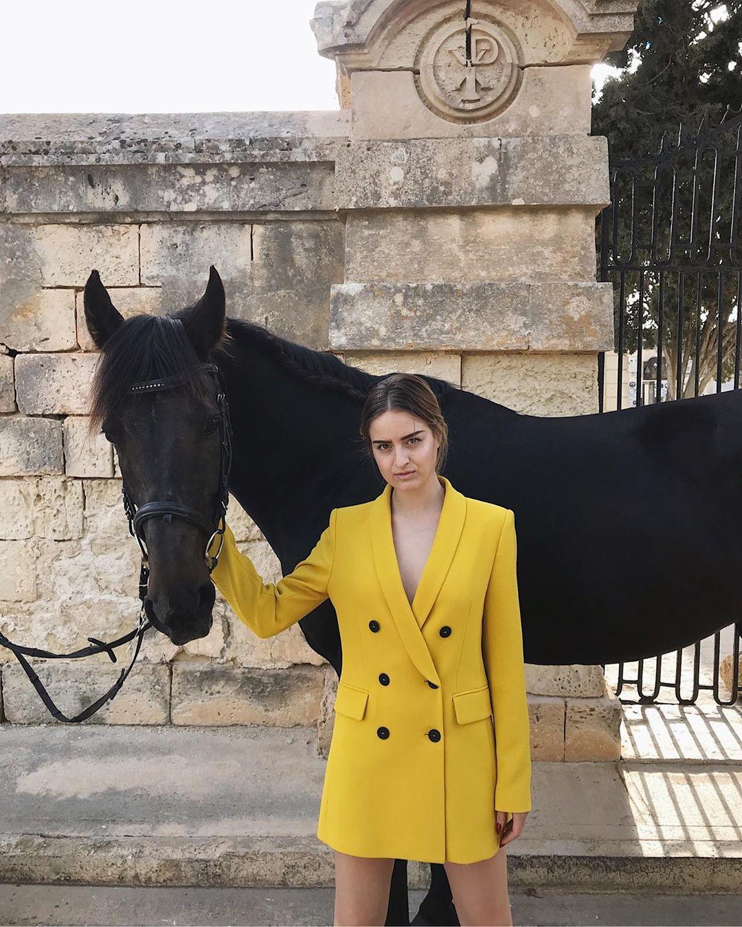 veste à boutonnage croisé de Zara sur marieclaire_fashion_blog
