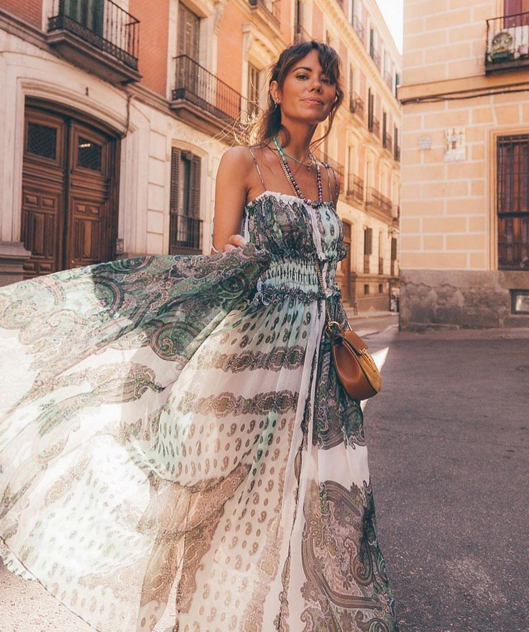 dress with print and straps de Zara sur zaraaddiction