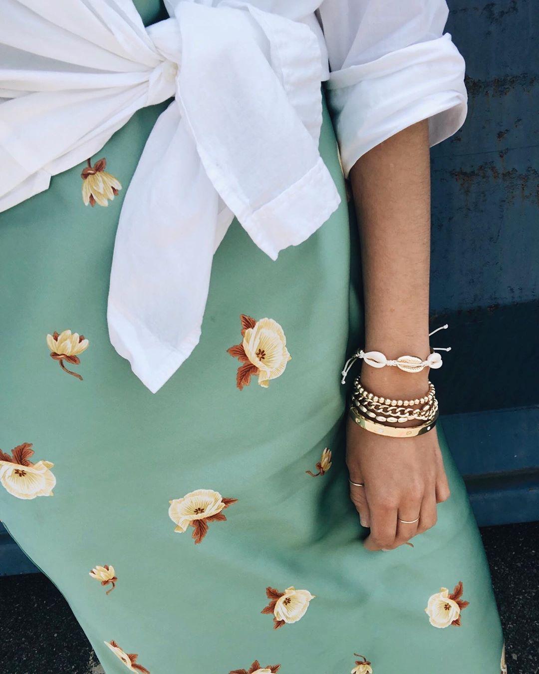 robe imprimée fleur de Zara sur emspadafora