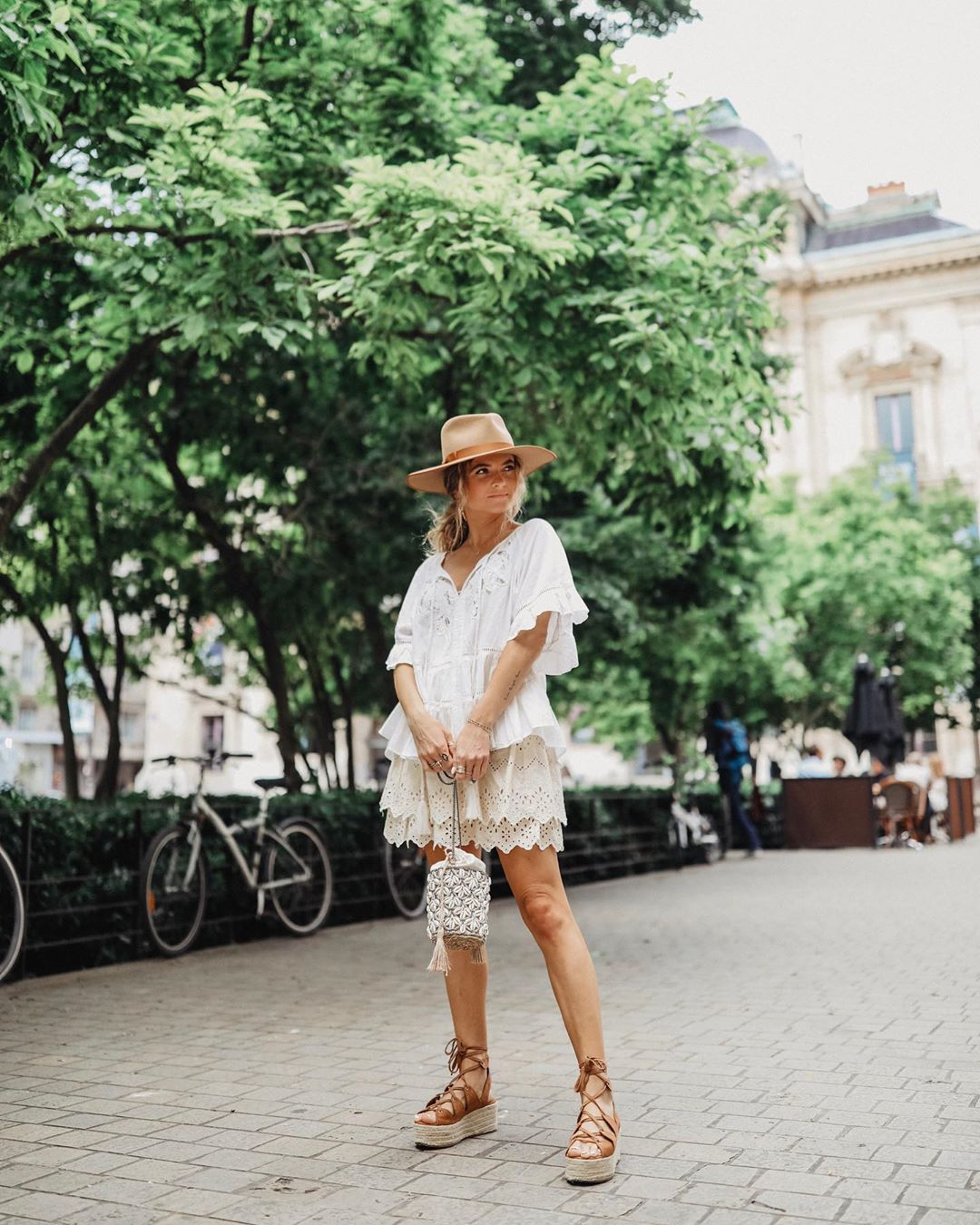 jupe à broderies perforées de Zara sur marieandmood