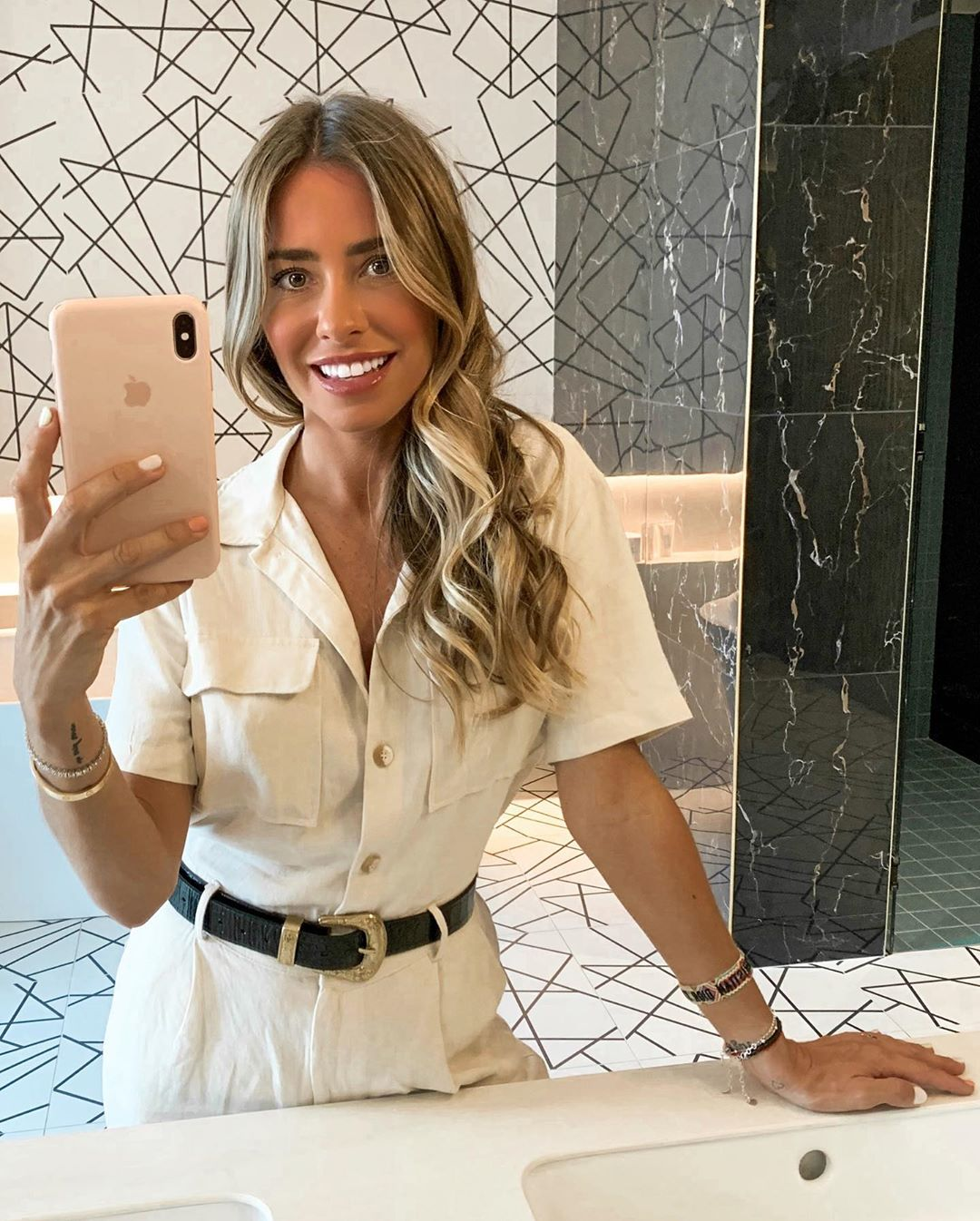 workwear style jumpsuit with belt de Pull and Bear sur martacarriedo