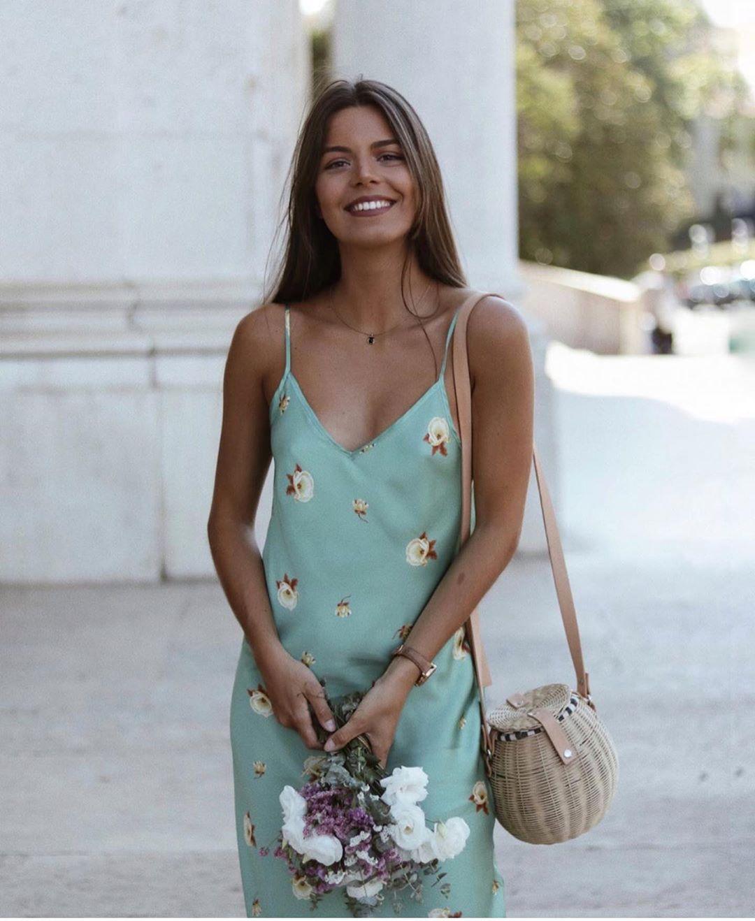 flower print dress de Zara sur zaraaddiction