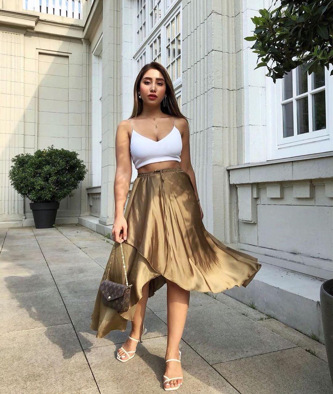 jupe asymétrique satinée de Zara sur zara.mania