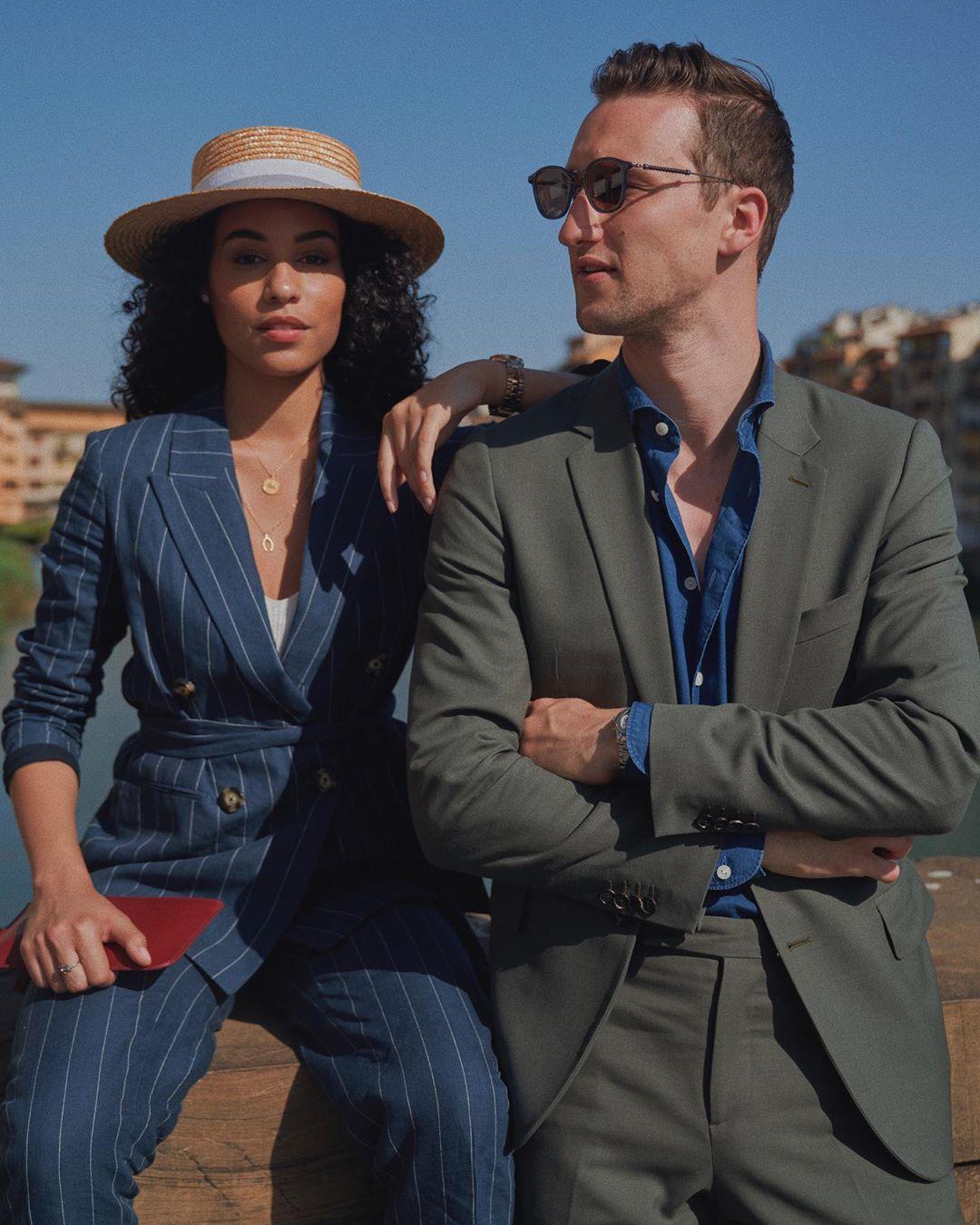 veste de tailleur bleu marine en lin et coton à rayures tennis avec ceinture coupe slim de Massimo Dutti sur sharleneradlein