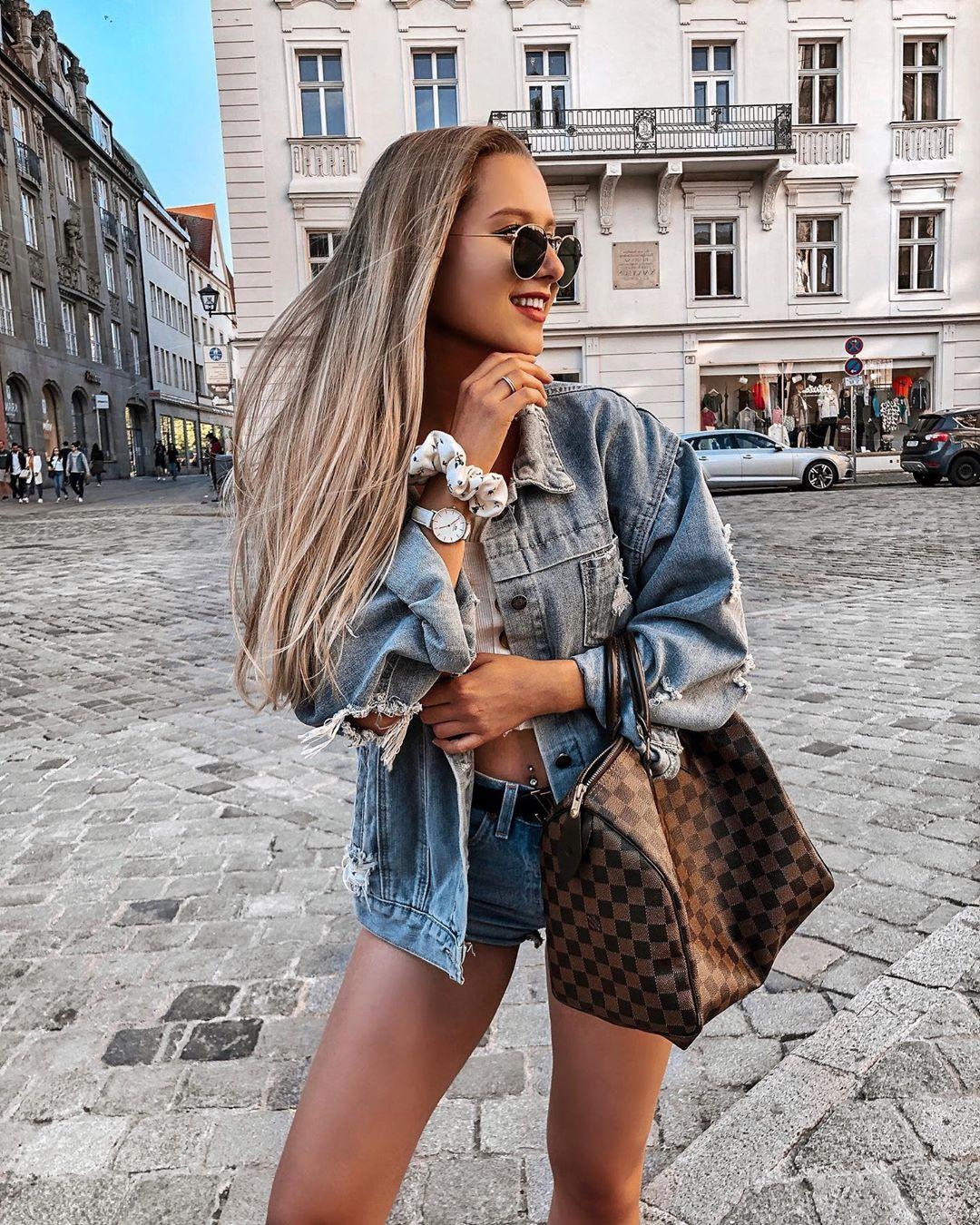 short levis 501 jeans light blue side pulls  de Les Bourgeoises sur anpaulinas