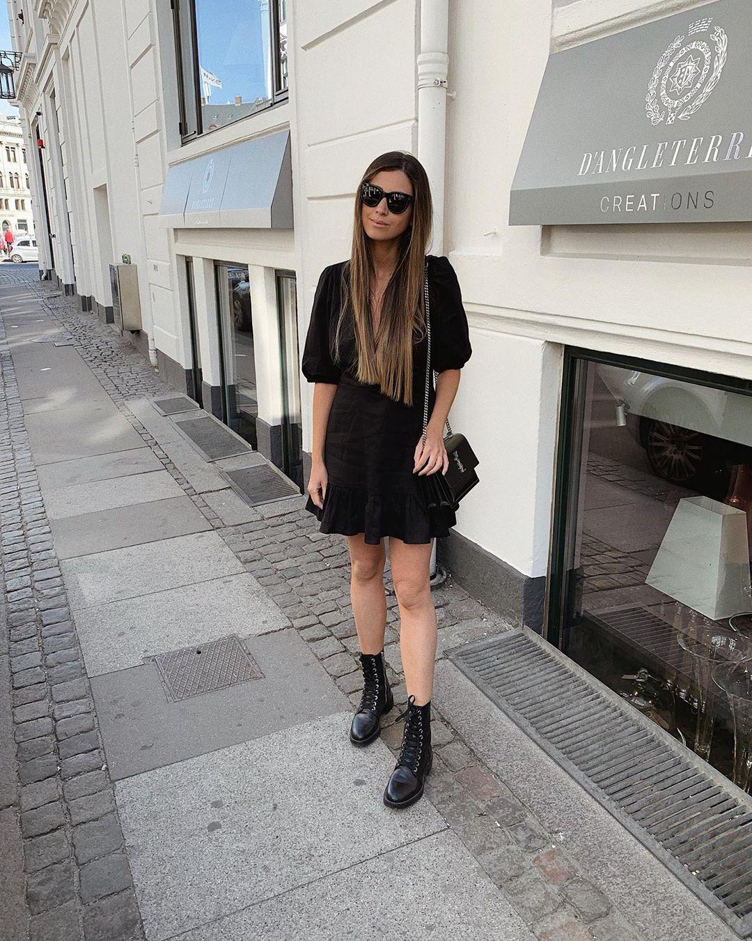 micro stud leather biker ankle boots de Zara sur mystylebook