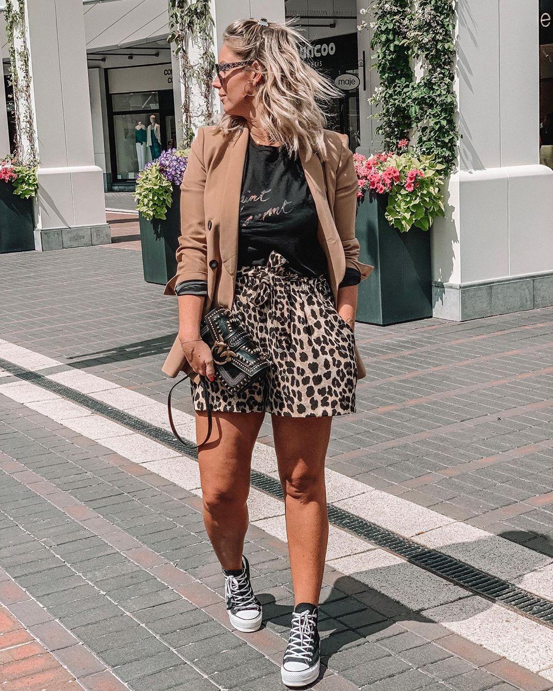 animal print bermuda shorts de Zara sur aurelievandaelen