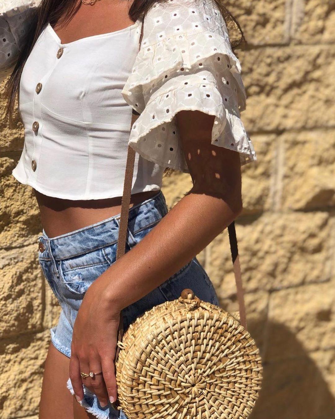short top with ruffle sleeves de Zara sur lor_rodriguez