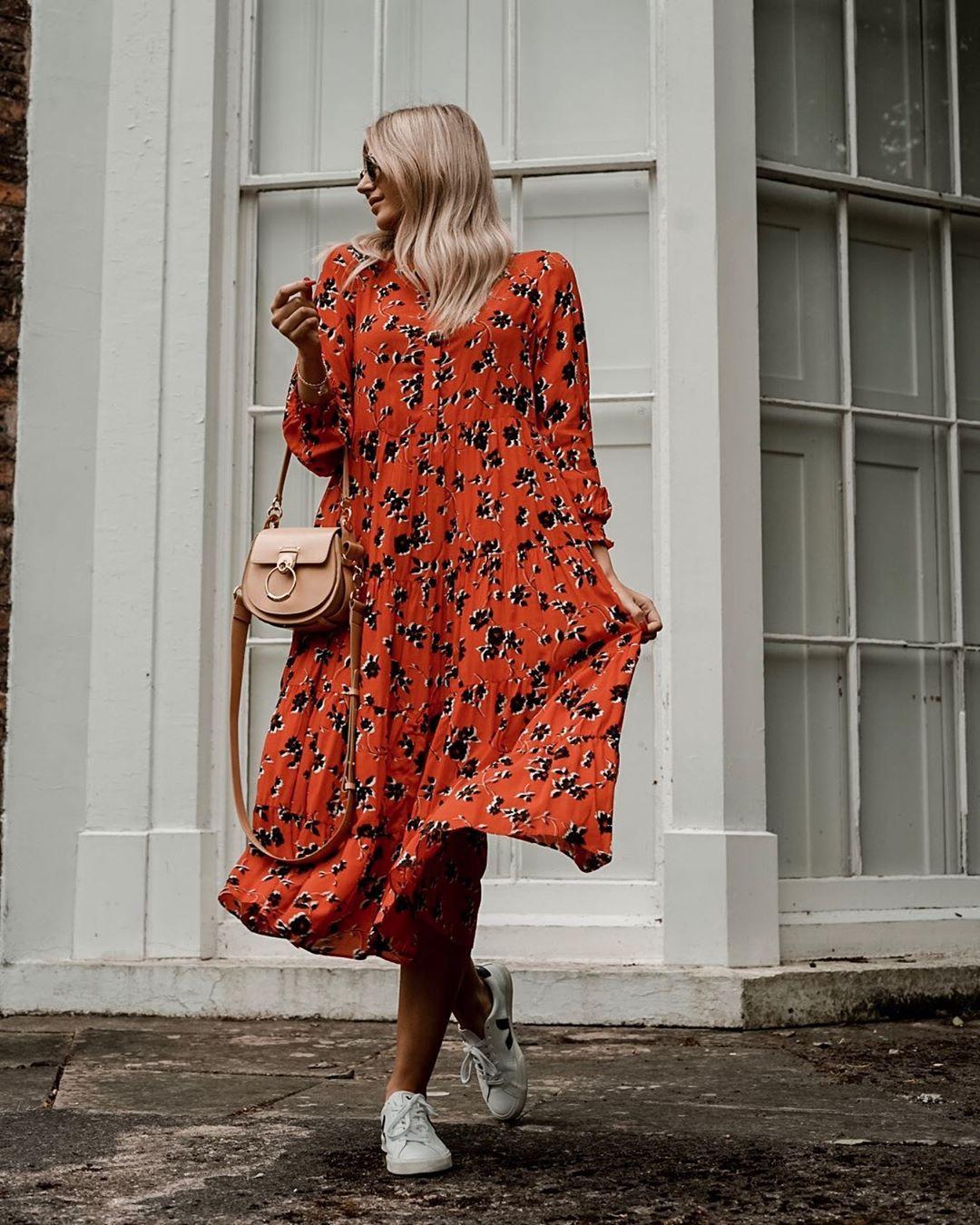 robe à imprimé fleuri de Zara sur olivialaura_