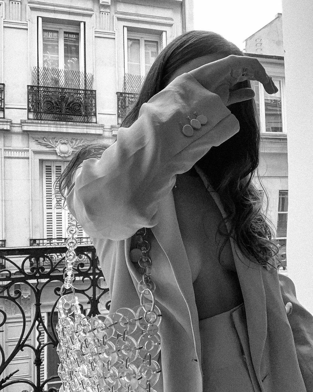 blazer croisé avec un bouton de Zara sur entre_dois