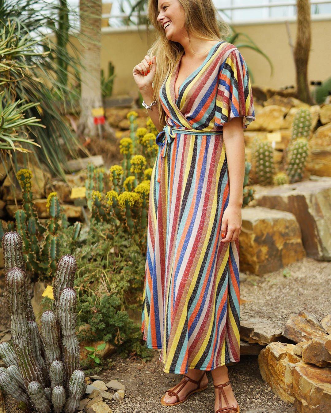 longue robe rayee de Les Bourgeoises sur lesbourgeoisesofficiel