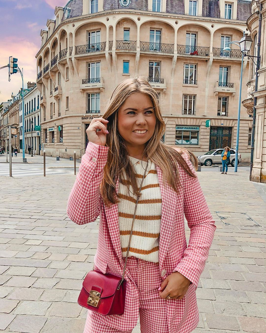 gingham plaid jacket de Zara sur nikitaloohuis