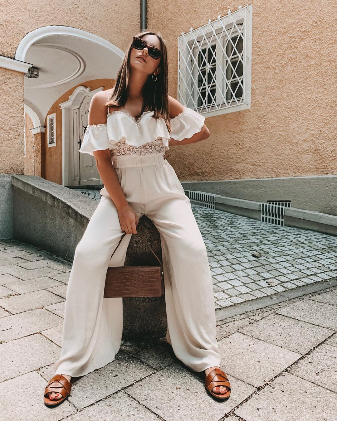 flowing wide pants de Zara sur emilyenvogue