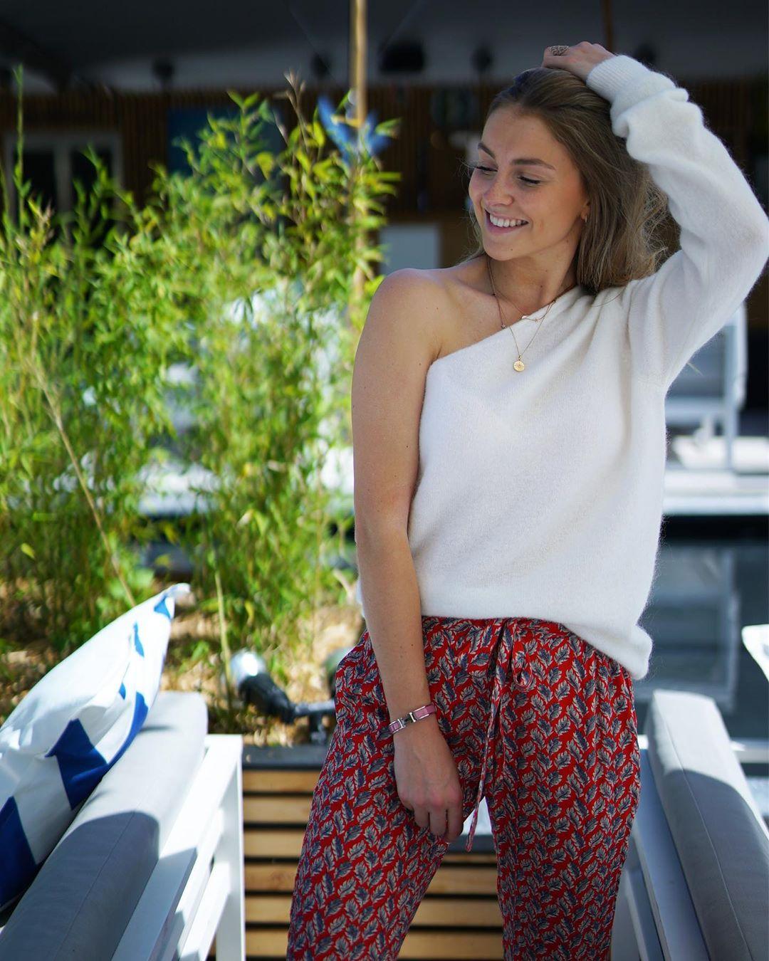 pantalon rouge loose de Les Bourgeoises sur lesbourgeoisesofficiel