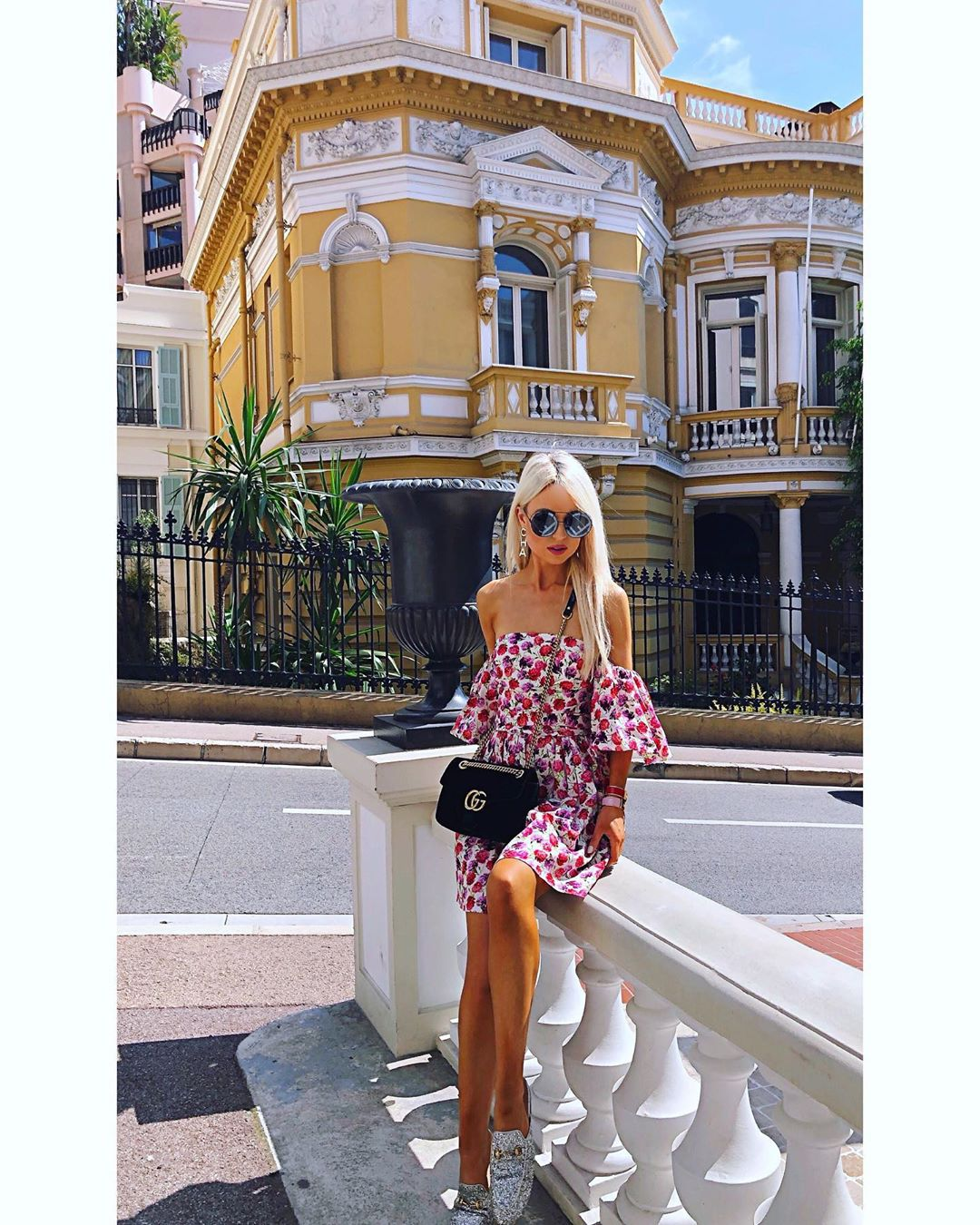 printed dress with belt de Zara sur _reginamch